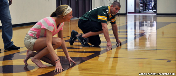 Jordy Nelson prepares to race a girl by foot
