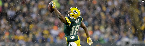 WR Randall Cobb snags a one-handed catch vs. the Detroit Lions