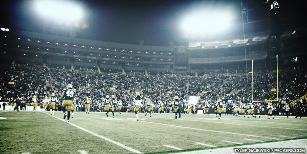 Packers players warm up before the Wild Card playoff game vs. Minnesota