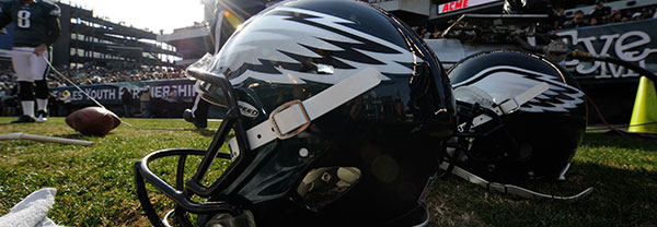 131106-eagles-helmets-600