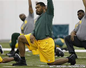 LB/DE Julius Peppers