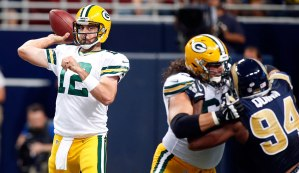 151009-rodgers-rams-950